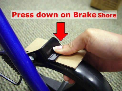 Brake tightening step 3 - Hugo Rollators