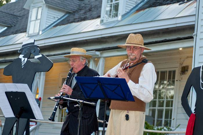 Bob Hardy, walker-runner and Participation`s musical maestro